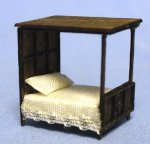 Gothic Canopy Bed 1/144th scale
