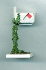 Mailbox With Ivy Half-inch scale